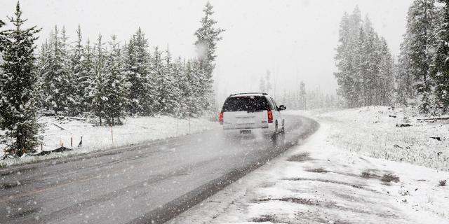 大雪なのになぜ出社する?!リモートワークの3つのメリットと2つの注意点