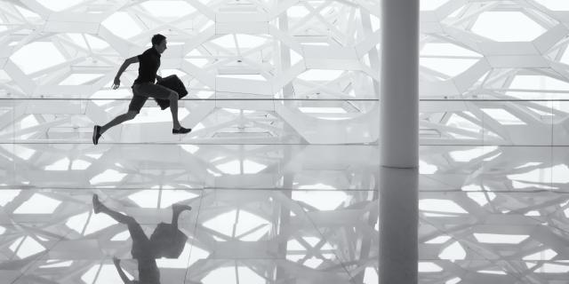 KPIとは?KGIとどう違う?ビジネスにおける目標管理の基礎用語を解説